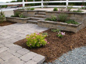 Pavers and stairs design with planter
